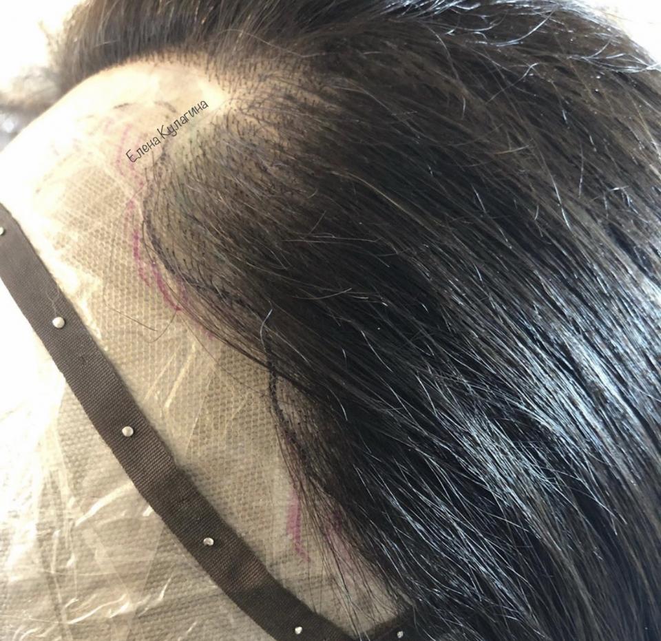 В процессе создания замещения волос, в предвкушении конечного результата своих трудов...<br />Система замещения из отборных натуральных волос - это не просто способ решения целого ряда задач, стоящих перед девушкой прямо напротив в зеркале, а еще и прекрасная возможность выглядеть неизменно великолепно 👑 вне зависимости от каких бы то ни было обстоятельств! Мои авторские системы замещения волос полностью на тончайшей, дышащей сеточке с шёлковой имитацией для самого реалистичного вида любых проборов в идеальном исполнении. Единого прайса нет.  Для калькуляции индивидуального пошива системы волос по Вашим параметрам головы и стилю или для подбора готового изделия из наличия<br /> ➡️ л/с, контакты в описании профиля.<br />Постижер Елена Кулагина<br />#ассамблея #ахмир #созданиесистемыволос #постиж #постижер #пошивсистемыволос #системаволос #монтюр #системазамещенияволос #тамбуровка #еленакулагина #натуральныеволосы #парик #парики #парикнасеточке #замещениеволос #объёмволос #парикнасеточке #мастерпостижа #мастерпостижер #дизайнер #парикмахер #ремесло #тамбуровкакрючком #постижерноеискусство #парикручнаяработа #постижерноедело #накладкаизволос #накладкадляволос #славянскиеволосы #алопеция #sistemavolos